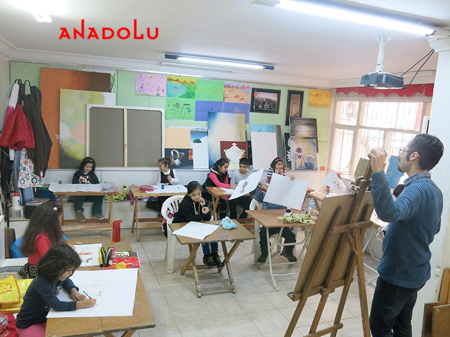Çocuklarla Resim Atölyesinde Çalışmalar Çanakkalede