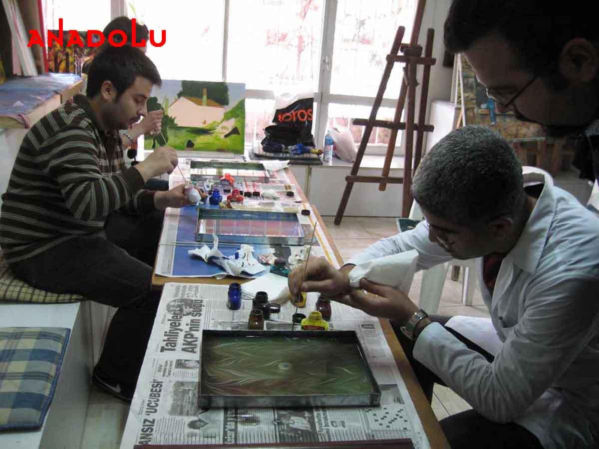 Ebru Kursunda Çalışanlar Çanakkalede