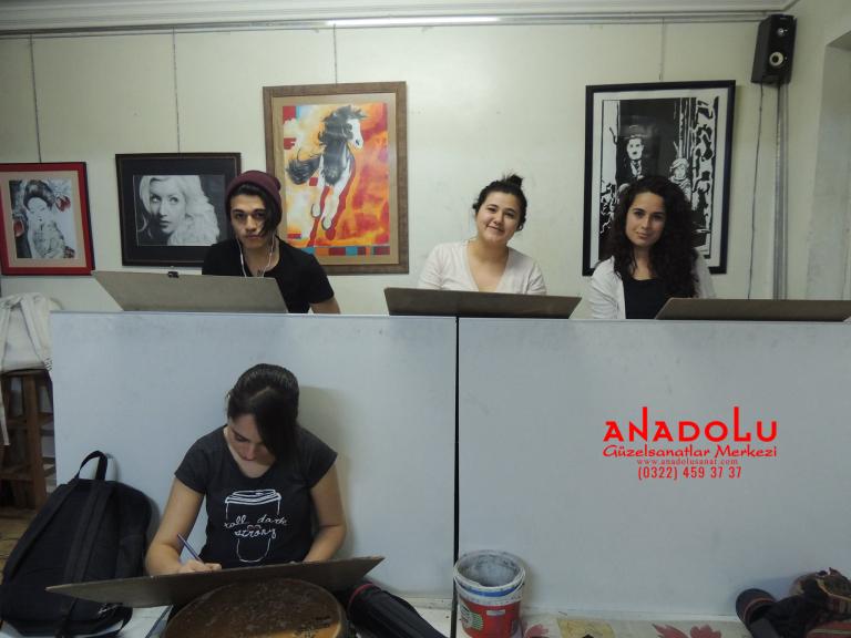 Anadolu Güzel Sanatlarda Karakalem Çizim Atölyesi Çanakkalede