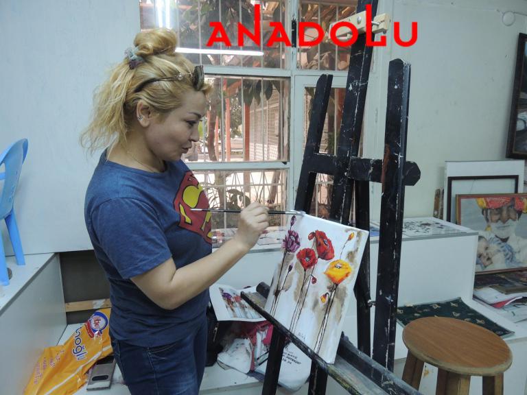 Hobi Grubu Dersi Yağlıboya Çiçekler Çanakkalede