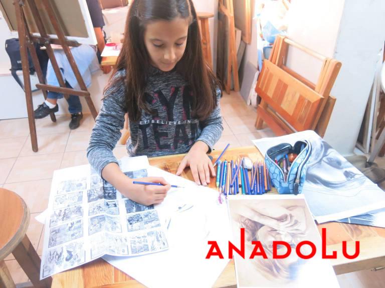 Çocuk Grupları Karakalem Potre Çizimleri Çanakkalede